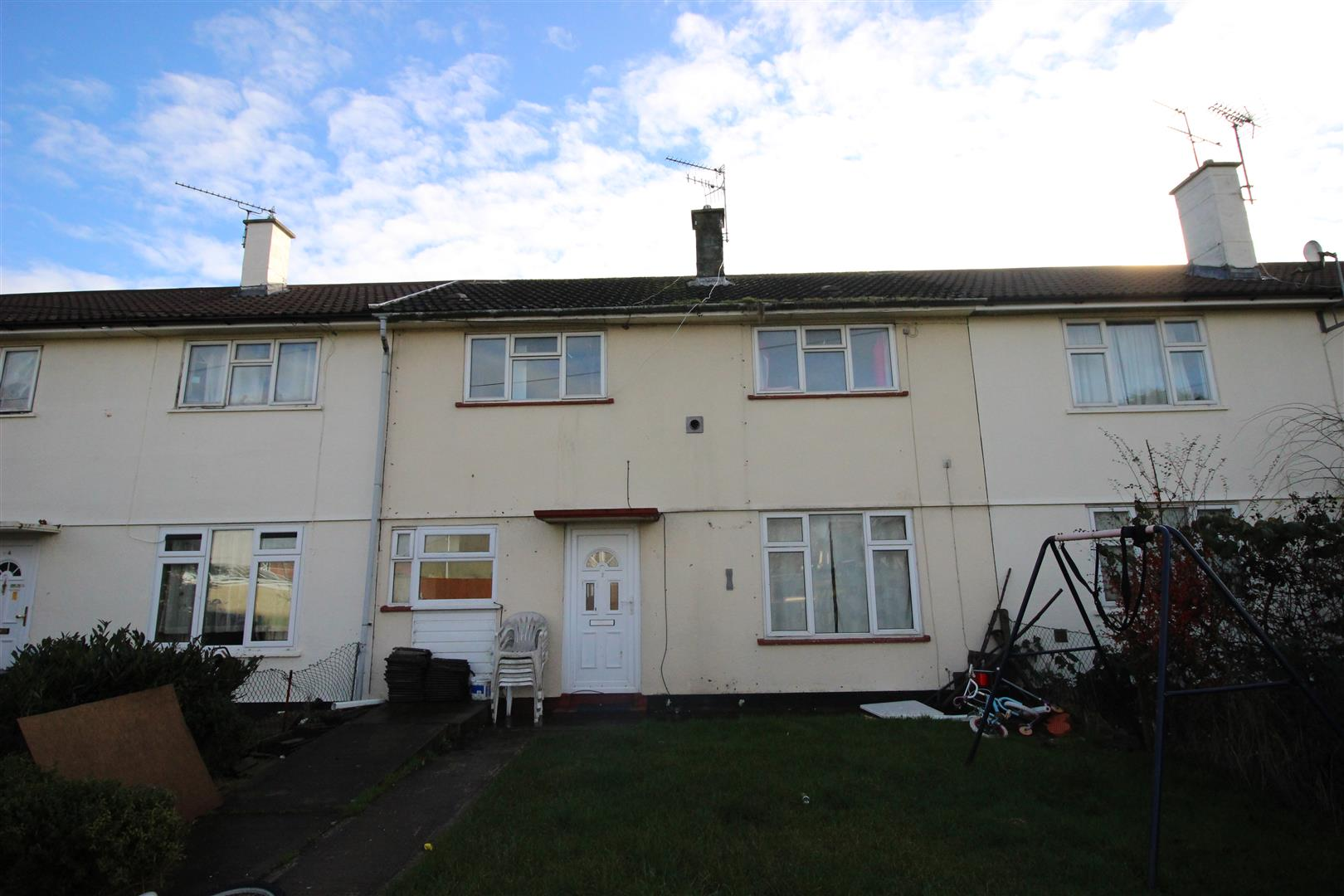 3 Bedrooms Property for sale in Wardley Close, Swindon